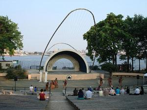East River Park, bandshell, photo by Elena Martinez